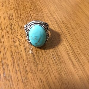 Vintage Jewelry - Turquoise Sterling Silver Ring | Size 8 | Vintage
